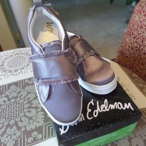 New Sam Edelman Levine Lt Grey Satin Sneakers 6.5M